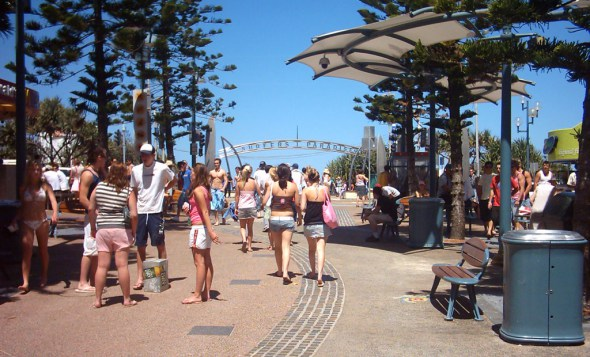 surfers_paradise_sign